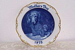 1975 Dresden Mother's Day Plate With Dogs