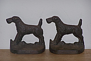 METAL AIREDALE DOG BOOKENDS (Image1)