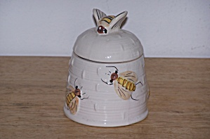 BEES ON HONEY POT/JAR (Image1)