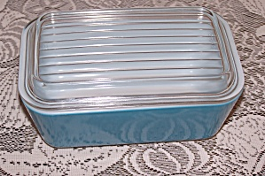 Pyrex 1 1/2 Pt. Covered Blue Refrigerator Dish