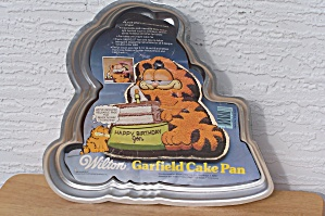WILTON GARFIELD CAKE PAN (Image1)