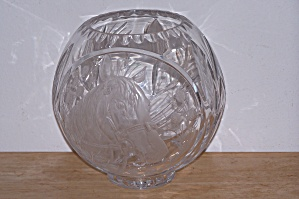 LEAD GLASS BOWL W/ETCHED HORSE HEAD (Image1)