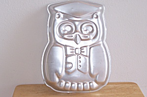 Wilton Mr. Owl Graduate Cake Pan