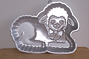 Wilton Gentle Lamb Cake Pan