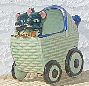 2 ANIMALS IN BABY CARRIAGE PLANTER (Image1)