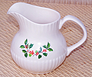 HOLLY & BERRY CREAMER FROM IRELAND (Image1)