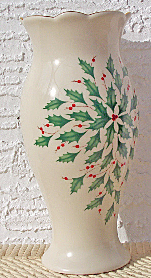 LENOX HOLIDAY CHRISTMAS VASE (Image1)