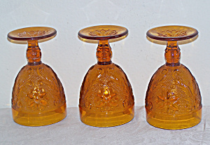 3 Amber Glass Water Goblets, Sandwich Glass, Indiana Gl (Image1)