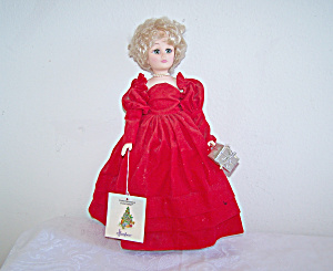 EFFANBEE Christmas Eve Together DOLL with Stand (Image1)