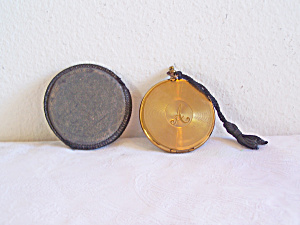 Small Mirrored COMPACT in CASE (Image1)