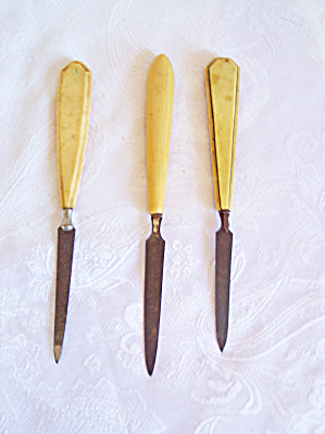 3 Vintage NAIL FILES with CELLULOID Handles (Image1)
