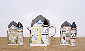 COTTAGE TEA POT, SALT & PEPPER SHAKERS (Image1)