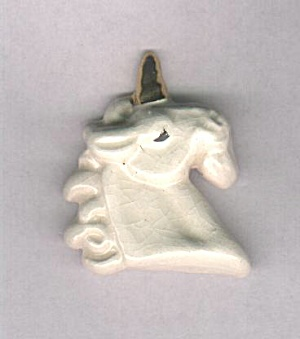 ART ATTACK, UNICORN CERAMIC PIN (Image1)