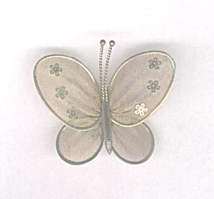 GOLDTONE MESH BUTTERFLY PIN (Image1)