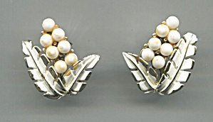 Coro White Beads On Gold, Clip-back Earrings