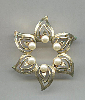 Lisner Flower Design Pin, Gold Tone W/faux Pearls