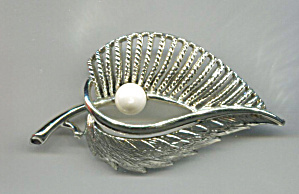 Coro Leaf Pin,gold Tone, Open Work W/ Single Faux Pearl
