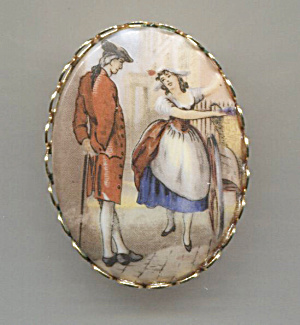 Colonial Couple, Oval Pin, Gold Tone Scalloped Frame