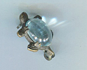TURTLE PIN WITH BLUE PLASTIC SHELL (Image1)
