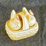 CHICKENS IN BASKET SALT & PEPPER SHAKERS