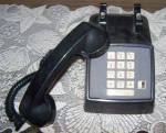 Click to view larger image of AT&T PUSH BUTTON DESK TELEPHONE (Image2)