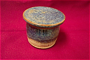 Artist Handmade Two-Piece Butter  Cup/Pot (Image1)