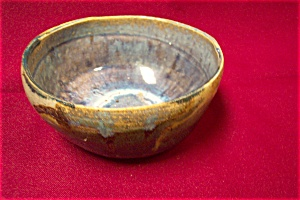 Artist Handmade Pottery Bowl (Image1)