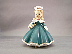 Sunday Best Girl Figurine (Image1)