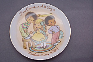 Avon Mother's Day 1984 Collector Plate