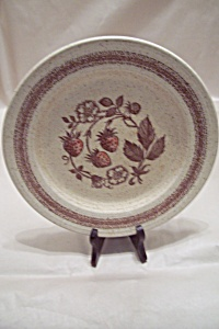 Wild Strawberry Dinner Plate (Image1)