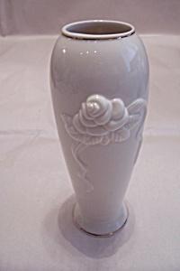 Lenox Fine China Vase (Image1)