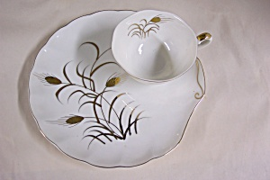 Lefton Handpainted Snack Plate & Teacup (Image1)