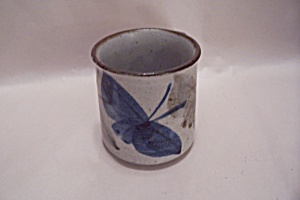 Butterfly Motif Pottery Mug (Image1)