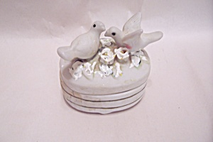 Love Birds Cache Box With Lid (Image1)