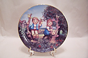M. J. Hummel - Apple Tree Boy And Girl Collector Plate