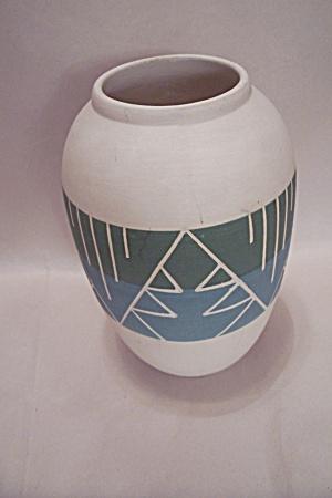 Southwestern Art Pottery Vase (Image1)