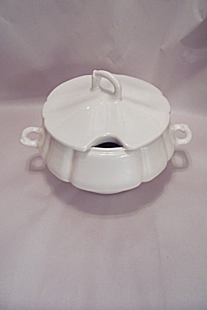 California Pottery White Soup Tureen With Lid