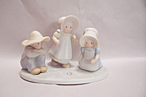Homco Masterpiece Circle Of Friends Childrens Figurine