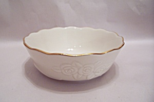 Lenox Creme Colored Rose Motif Bowl (Image1)