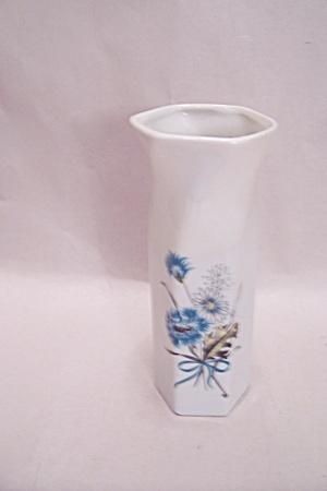 Porcelain Flower Motif Bud Vase (Image1)