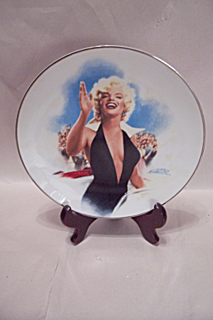 Marilyn Monroe Stopping Traffic Collector Plate (Image1)
