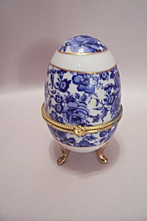 Porcelain Egg Cache Box (Image1)