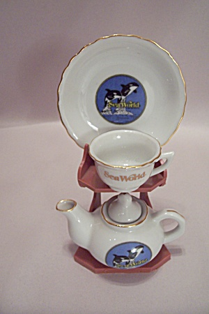 Sea World Souvenir Miniature Teapot & Cup & Saucer Set (Image1)