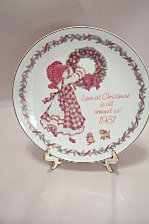 Holly Hobbie Christmas 1981 Collector Plate