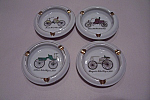 Old Car Motif Porcelain Ash Tray Set (Image1)