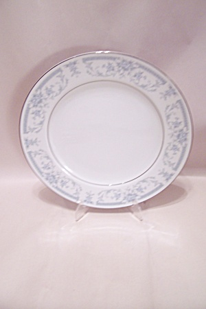 Sheffield Blue Whisper Pattern China Dinner Plate (Image1)