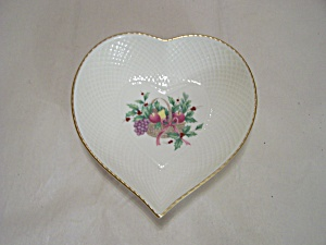 Mikasa Ivory Bone China Decorated Heart-shaped Dish