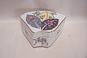 Tobacco Leaf Pattern Porcelain Jewelry Box (Image1)
