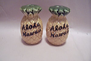 Aloha Hawaii Souvenir Salt & Pepper Shaker Set