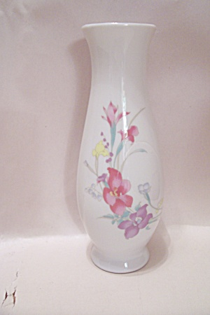 Hand Painted Flower Decoration Porcelain Bud Vase (Image1)